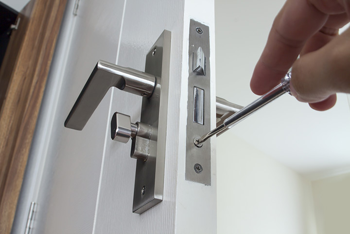 Our local locksmiths are able to repair and install door locks for properties in Golders Green and the local area.