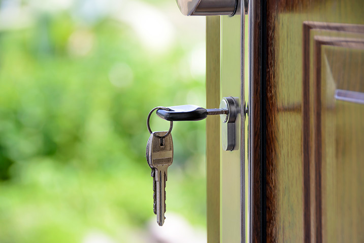 A2B Locks are able to provide local locksmiths in Golders Green to repair your broken locks.